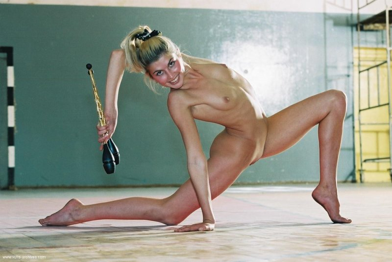 смотреть фильм обнаженная гимнастика - 8