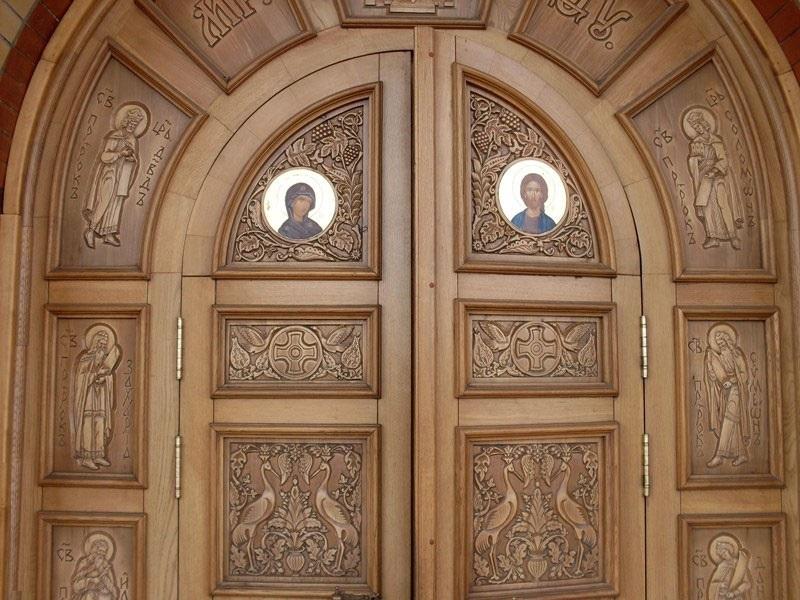металлические двери в храмах
