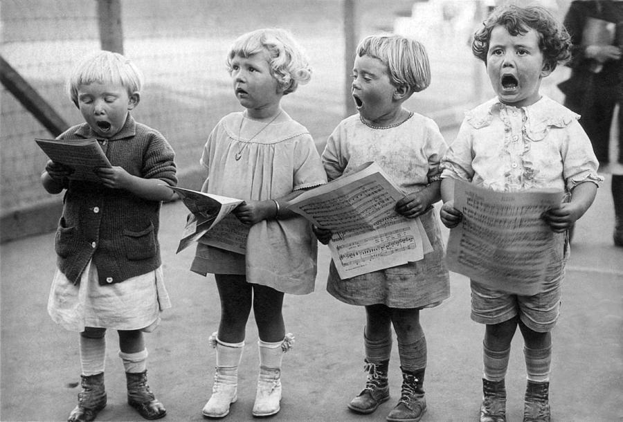 Где, поющие дети картинки смешные