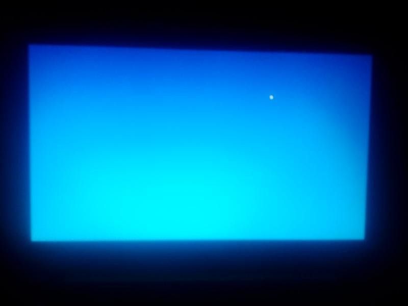 экран загорелся синим и исчезла картинка чтобы переписал эти