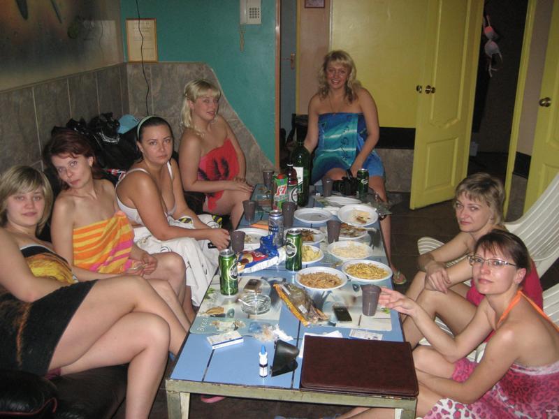 Гинекологии русскими пьяная вечеринка в бане