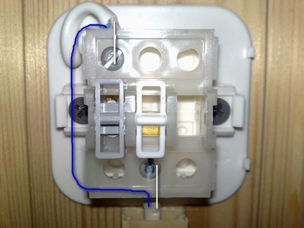 Ответы@mail.ru: как правильно подключить обычный выключатель.