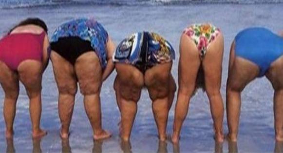 Голые попки бабушек фото