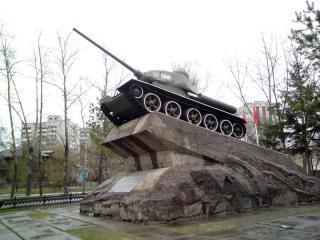 Памятники хабаровска танк памятники с установкой цена уфа