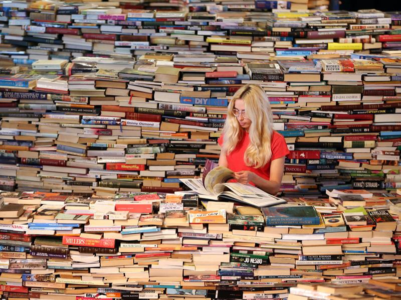 картинка много книг и журналов самых популярных