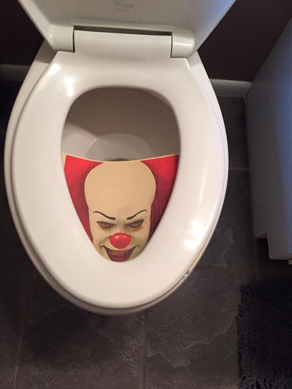 Приколы картинки в туалет, надписями