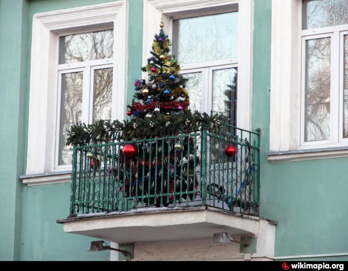 Что только не хранят на балконах.