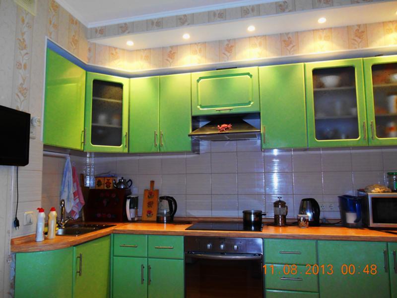 Какого цвета обои лучше клеить на кухне