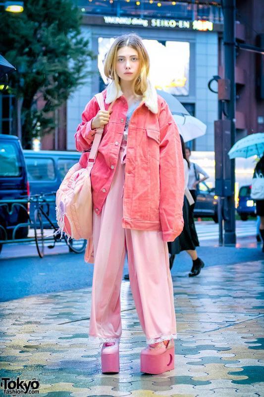 Хочу купить одежду на подобии как Лены, ну и вообще всякую оригинальную и  несуразную, только не знаю где, подскажите  e28a664f0fe