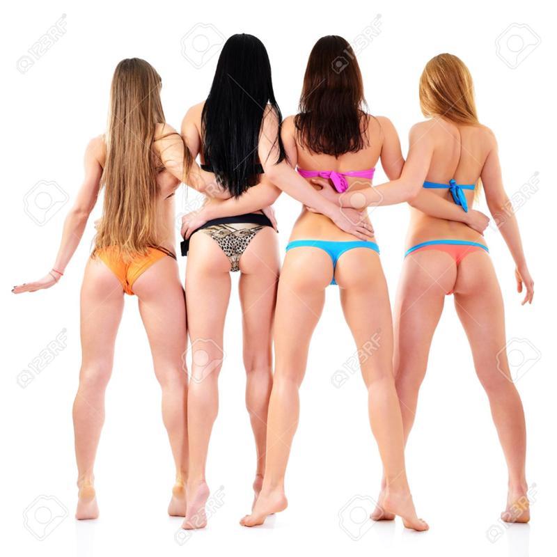 на фото много девушек сзади
