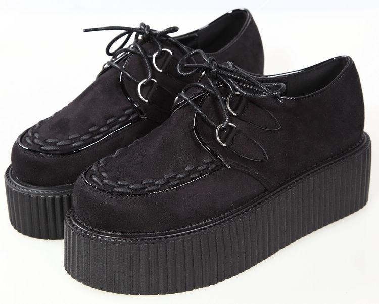 Как называются кроссовки на толстой подошве