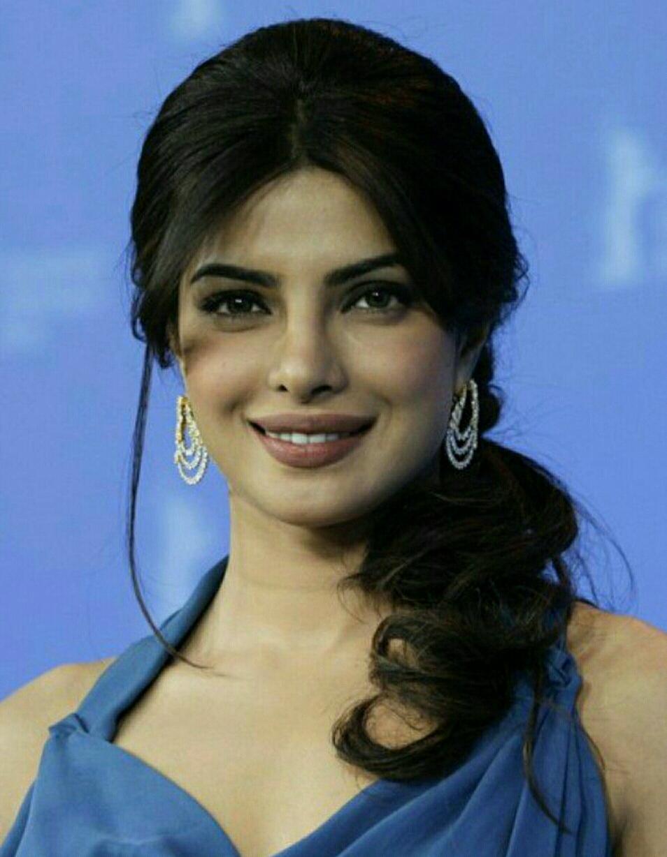 публичен как фото индийской актрисы чопры начале