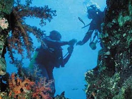 Кому принадлежат затонувшие в территориальных водах сокровища.