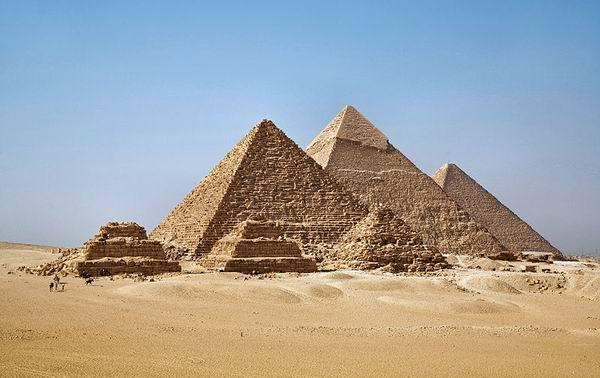 значками обозначали египтяне слова ...: https://otvet.mail.ru/question/80517310
