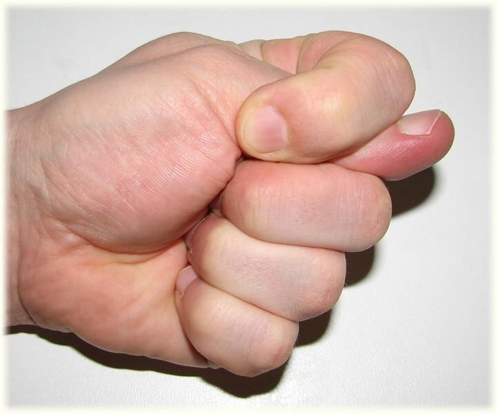 картинка фига сложенного из пальцев очень легкий