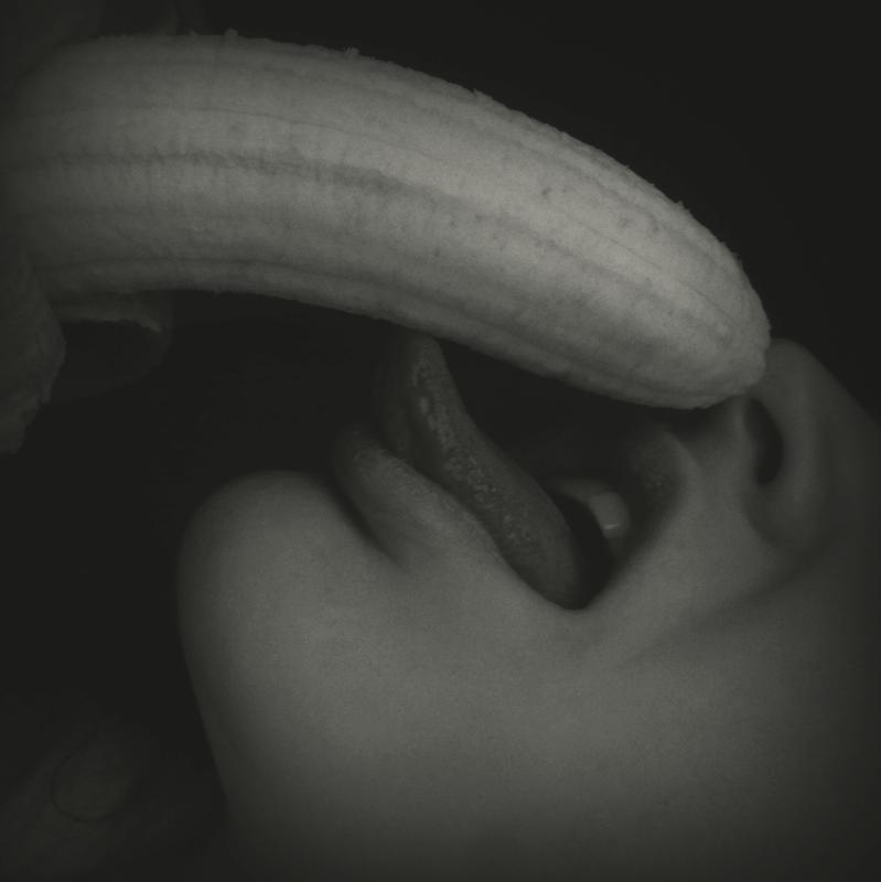 Пенис сперма фото черно белое
