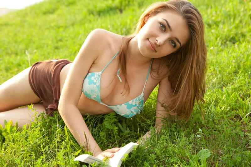 natural female nudists naturist