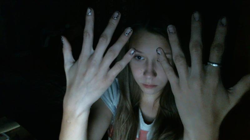 она крючковатые пальцы фото сказать, что