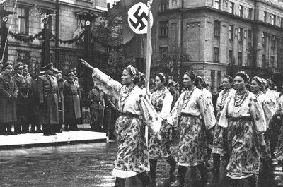 Картинки по запросу бандеровцы встречают немцев