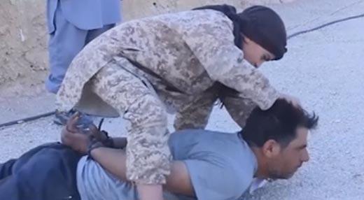 Секс видео вахабисты казнь вырезание головы выше
