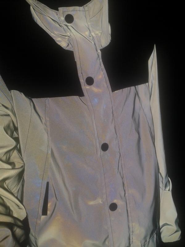 cd85d3b90022 Можно ли стирать рефлективную куртку, если да, то как  Бирок нету.