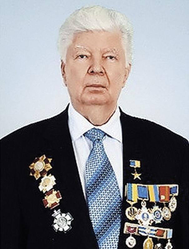 """Командир роты снайперов 79-й бригады Валерий Чибинеев: """"Я со своими ребятами на двух БТРах рванул к танкистам. Они не ожидали нас увидеть. Говорили: """"Мы думали, к нам на открытую местность никто не решится ехать"""" - Цензор.НЕТ 3031"""