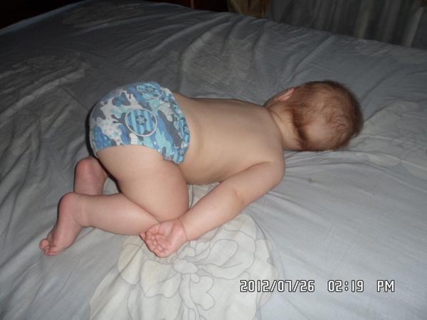 Попа спящей моей мамы6