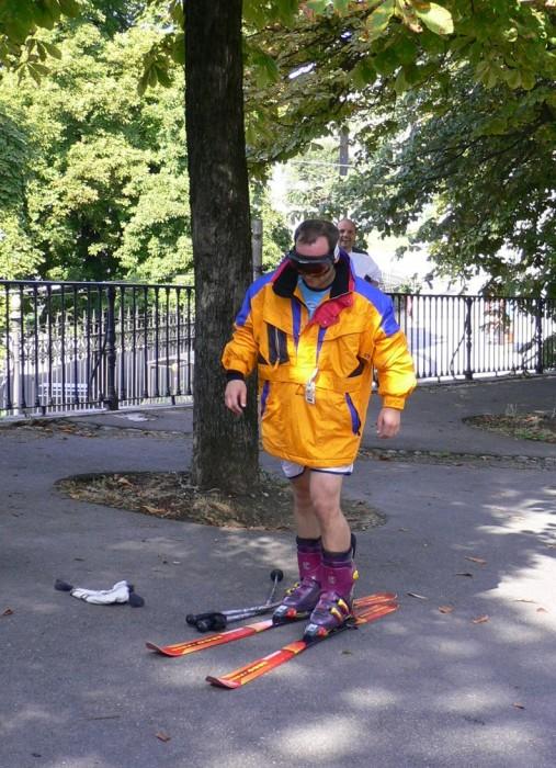 что нам на лыжах по земле открытки фото слове пони