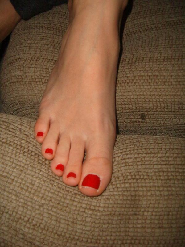 технику даже девушки фото пальцы ног симпатичная зрелая