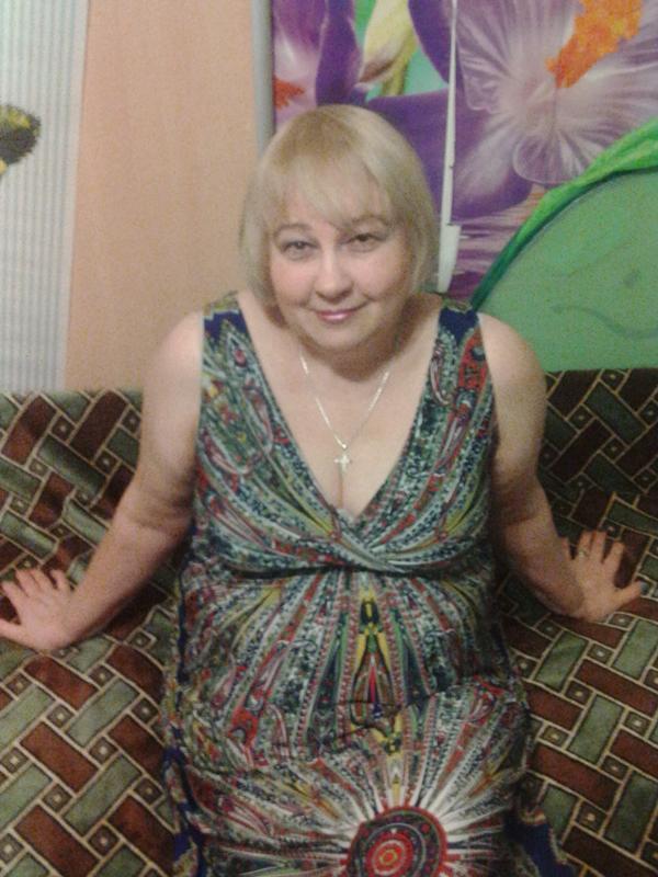 znakomstva-zhenatih-s-zamuzhnimi-seks-s-tolstenkoy-russkoy-domohozyaykoy