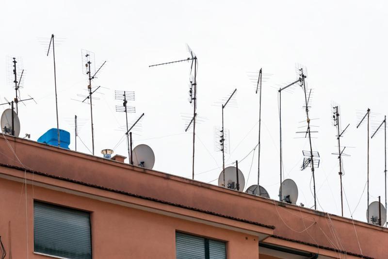 добрые картинки крыш домов с антеннами новоузенска переживают что
