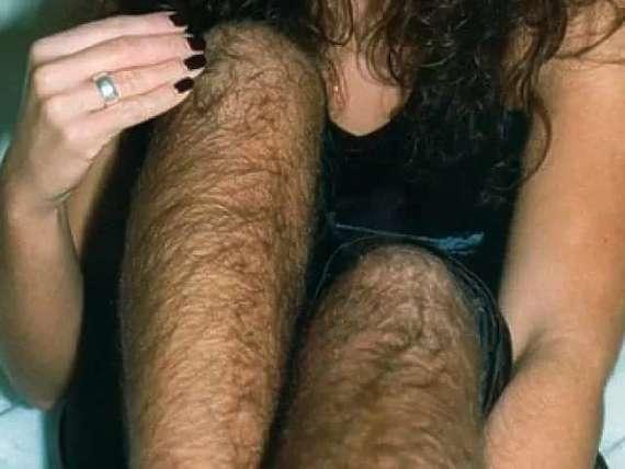 фотографии девушек и женщин с волосатыми ногами