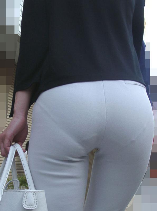 трусы видно через штаны