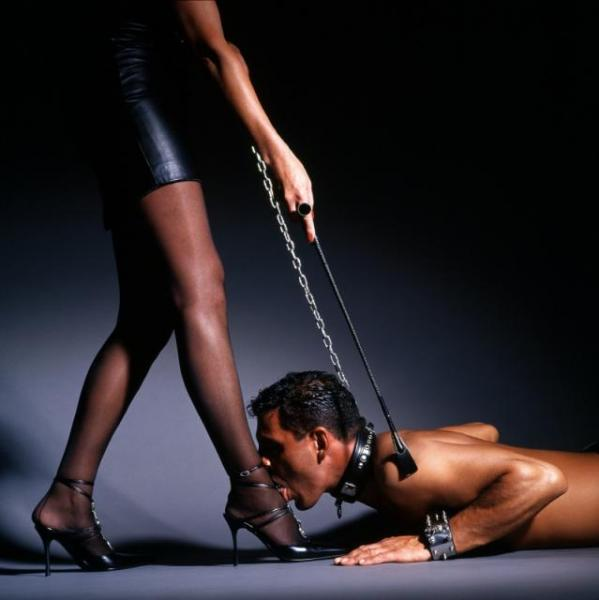 Хочу подчиняться госпоже жене