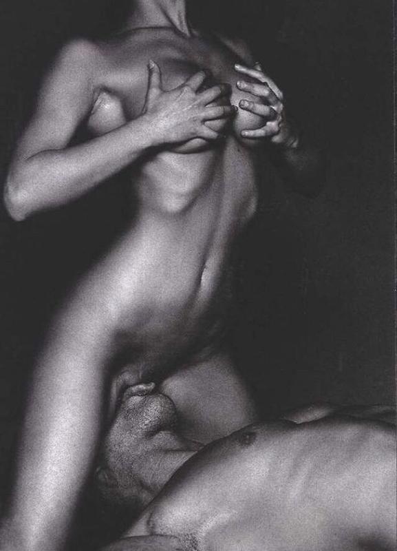 vseh-seks-foto-eroticheskie-foto-realno-konchaet