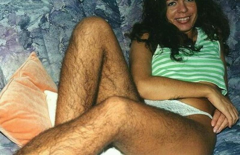 фотографии девушек и женщин с волосатыми ногами - 11