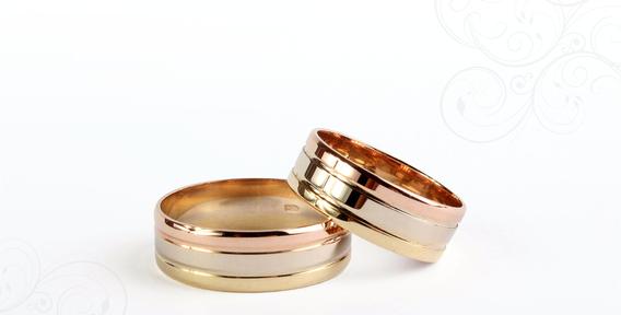 Обручальное кольцо из трех видов золота