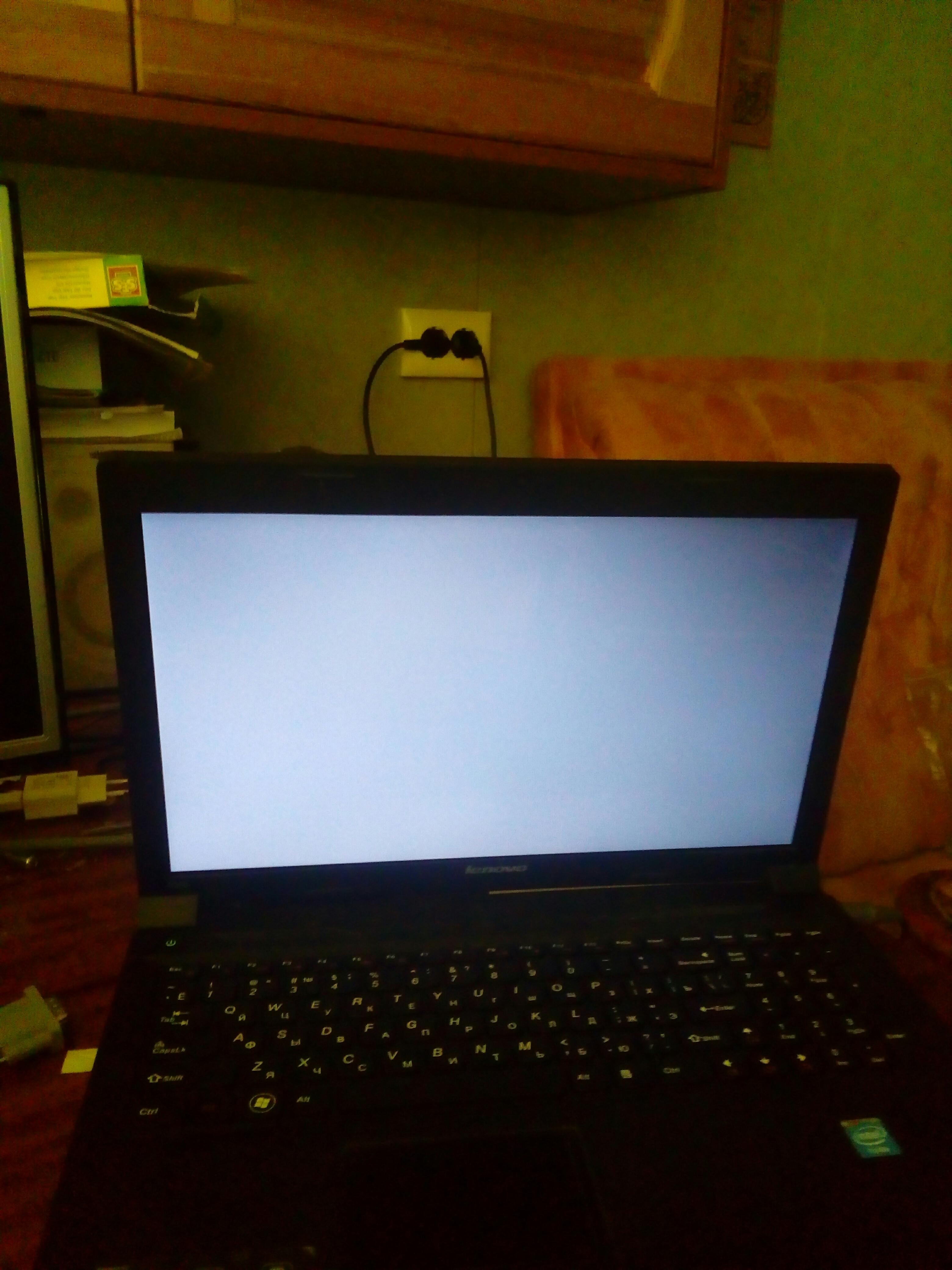монитор темный но картинка есть ноутбук нашем