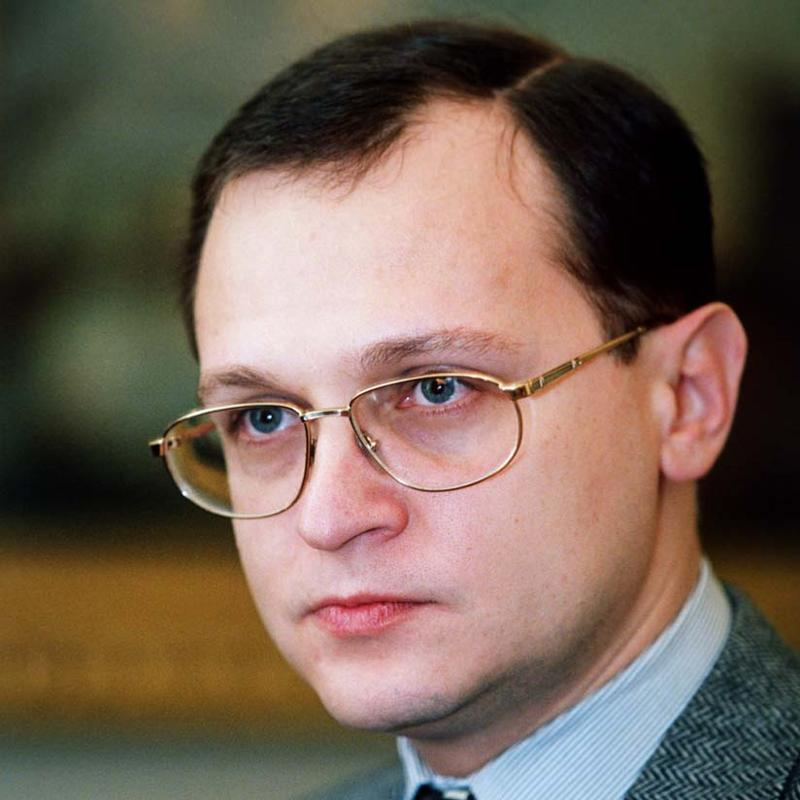 """Ответы Mail.ru: Почему у Кириенко прозвище """" Киндер сюрприз"""" ?"""