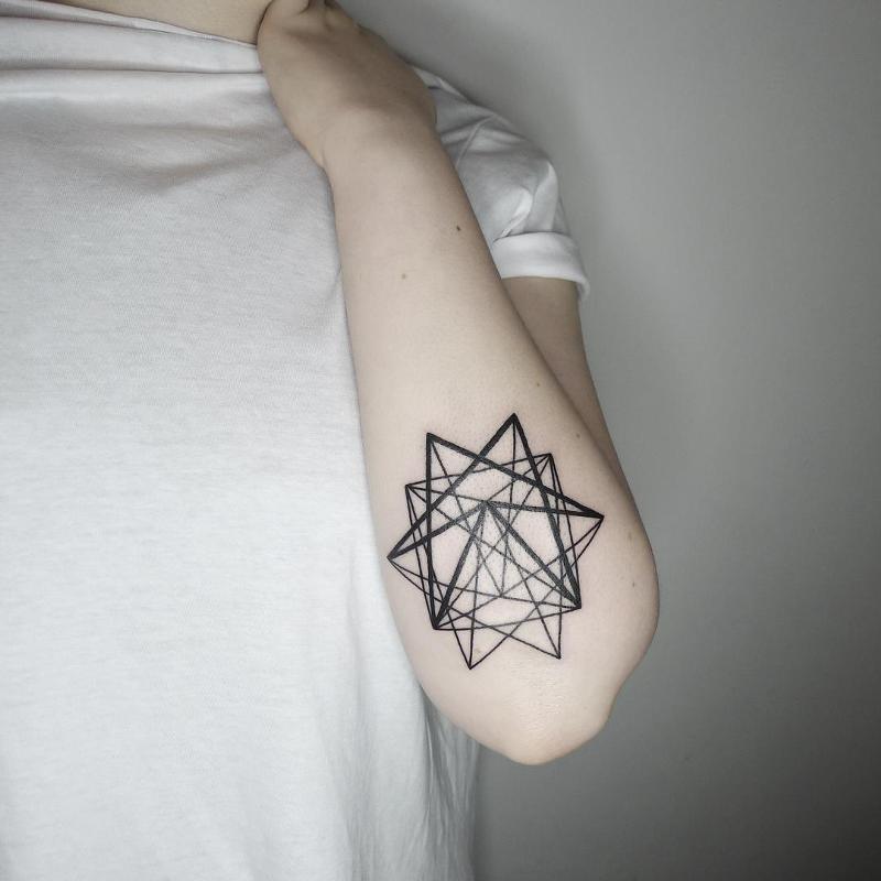 должны быть тату геометрия звезда эскизы и фото кольца делает его