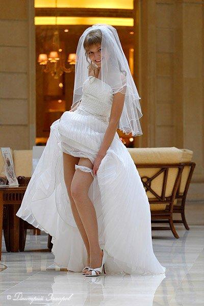 Ну и, пожалуй, самая популярная примета – жених не должен видеть невесту в свадебном платье до торжества.