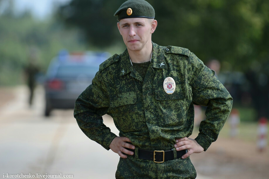 modern russian military uniforms - 899×574
