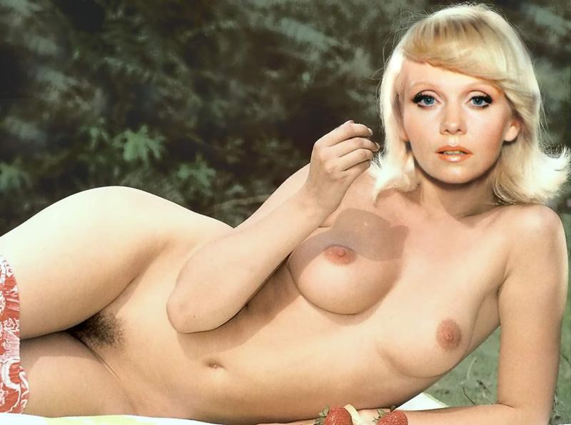 можно считать видео звезды россии голые женщины всегда