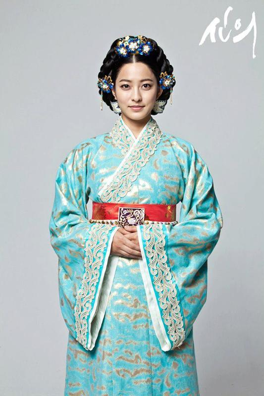 analysis of empress myeongseong as a hero The eulmi incident: empress myeongseong of korea, is killed at her private residence within gyeongbokgung palace by japanese agents a train wreck occurs at montparnasse station in paris.