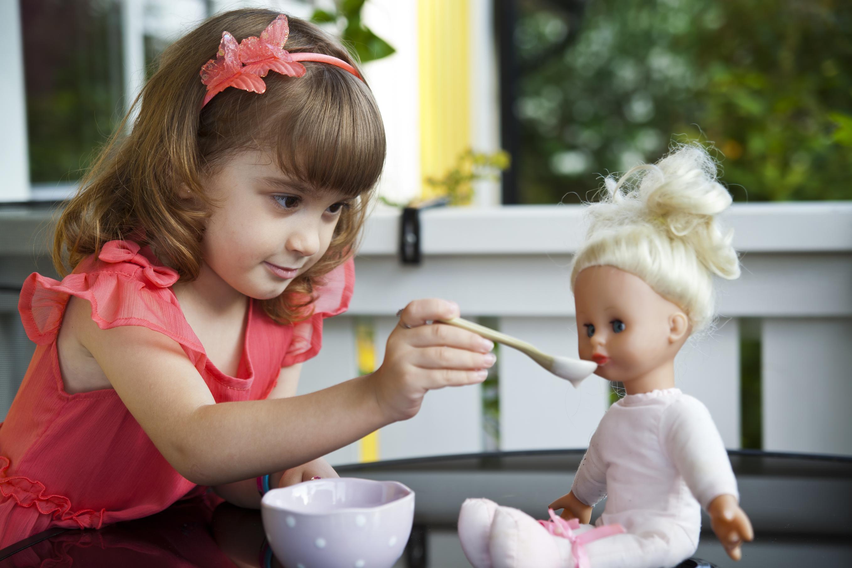 Картинки кормление кукол