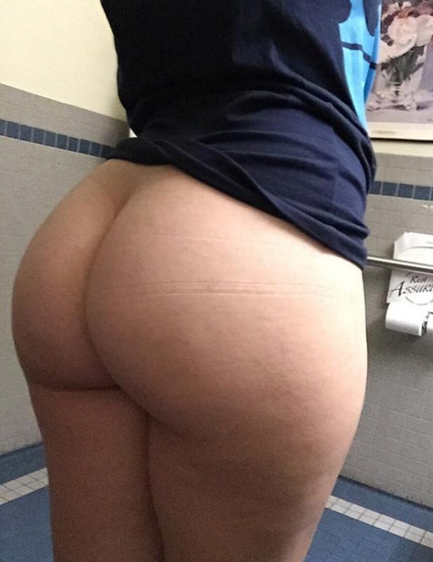 big-nice-white-ass-amanda-peet-nude-butt