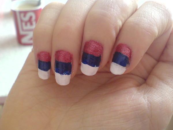российский флаг на ногтях фото