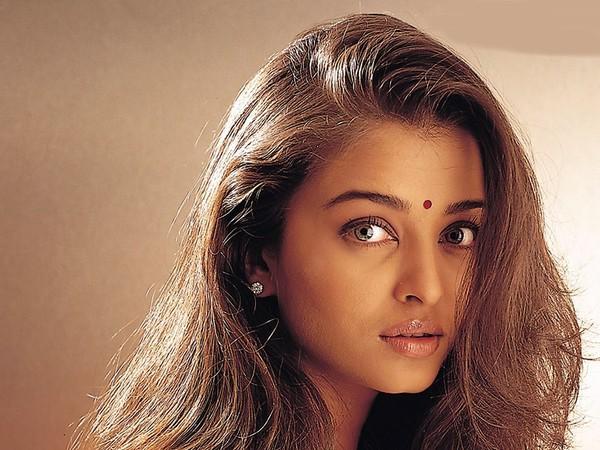 Индианка с необычными глазами фото 361-930