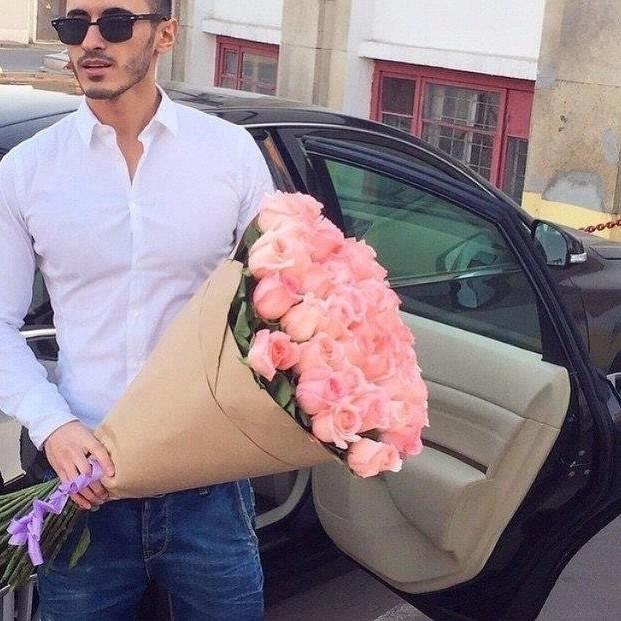 Сон букет белых цветов от мужчина подарили