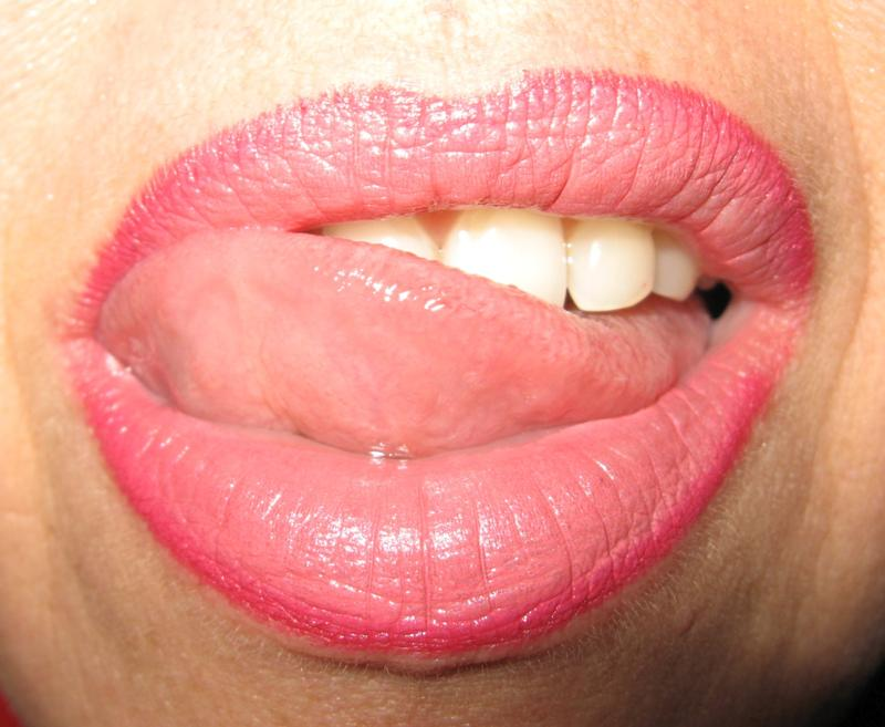 член между губы полов фото смотреть наличии
